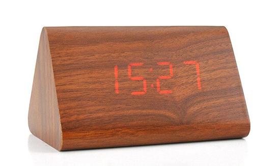 đồng hồ để bàn led bằng gỗ