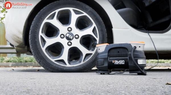 máy bơm lốp ô tô mini cầm tay