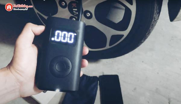 máy bơm lốp ô tô cầm tay