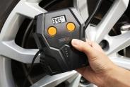 Nên mua máy bơm lốp ô tô mini loại nào tốt nhất – (2019)